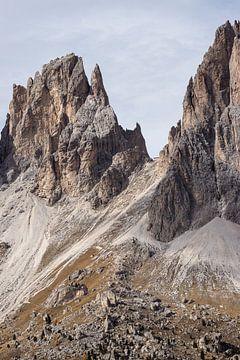 Hochragende Gipfel von Sass Pordoi von Thijs van den Broek