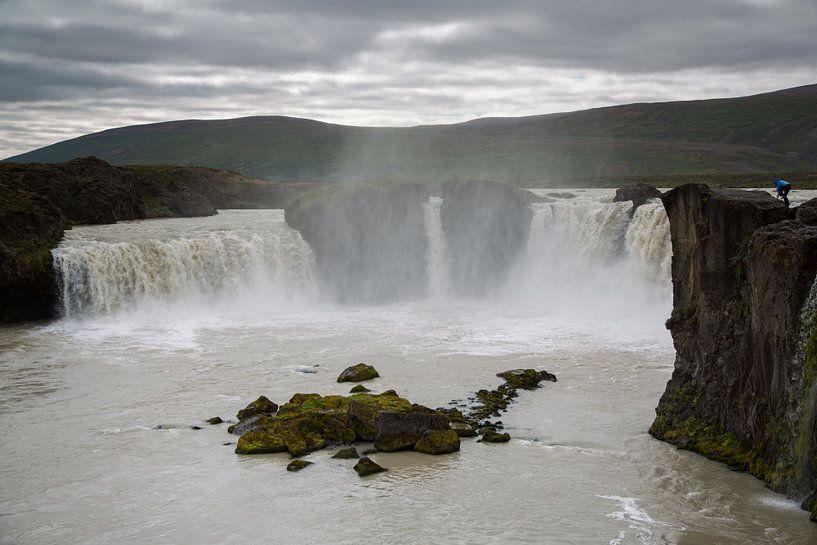 Godafoss waterval in IJsland van Menno Schaefer