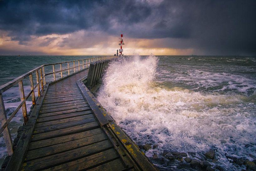 Storm bij Vlissingen van Sander Poppe