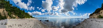 Panorama, natuurstrand Lobbe, schiereiland Mönchgut op het eiland Rügen van GH Foto & Artdesign