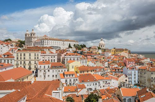 Het uitzicht over Alfama in Lissabon van MS Fotografie