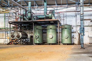 La technologie dans une vieille usine perdue sur Animaflora PicsStock