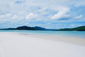 Whitehaven Beach, Queensland Australië van Maurits Simons