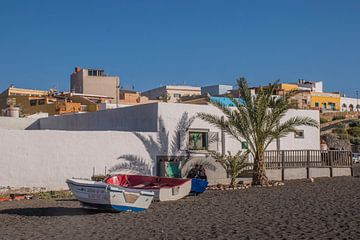 Zwart zand op Fuerteventura van Bianca Kramer