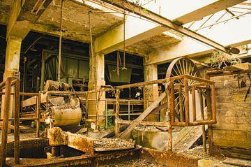Verlaten dakpannenfabriek von Dylan Nieuwland
