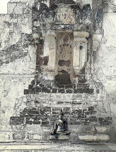 Kleine boeddha voor de tempel