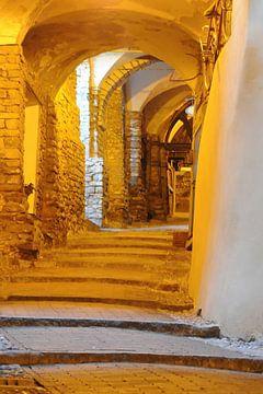 Artistiek steegje in San Remo, Italië van Annavee