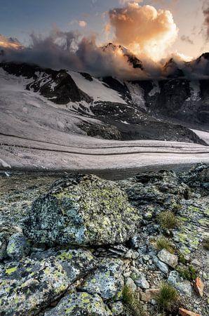 Stones, glaciers and sunny clouds von Ben Töller