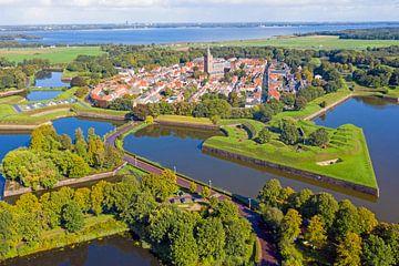 Photo aérienne de la forteresse de Naarden aux Pays-Bas sur Nisangha Masselink