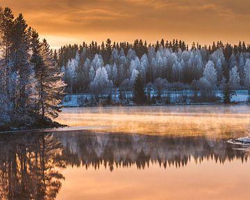 Wintersonnenuntergang im Norden von Schweden von Hamperium Photography