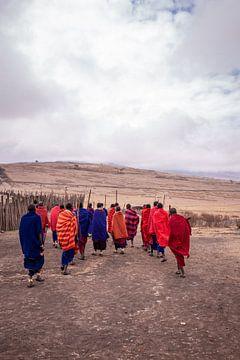 Masai op de vlaktes van Tanzania van Mickéle Godderis