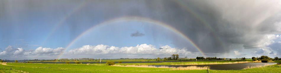Regenboog boven de IJssel