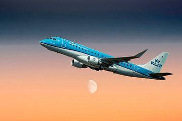 KLM PH-EXR KLM Cityhopper Embraer ERJ-175STD van