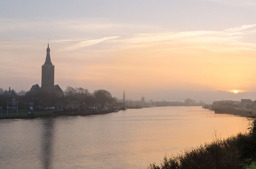Hasselt (ov) Misty Morning tijdens zonsopgang van Martin Bredewold