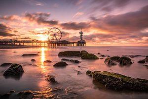Sonnenuntergang Pier Scheveningen von Patrick Löbler