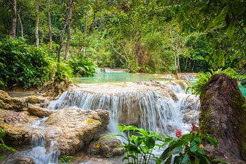 Wasserfall Kuang Si im Wald, Laos von Rietje Bulthuis