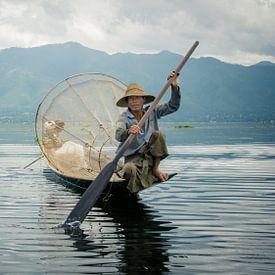 Vissen in het Inle meer van Chantal Nederstigt