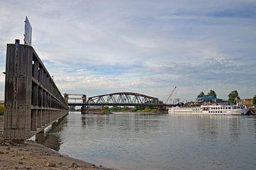 IJsselbrug in Zutphen van Jaimy Buunk