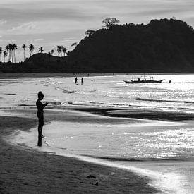 Strand in de Filippijnen, zwart-wit van Anna Davis
