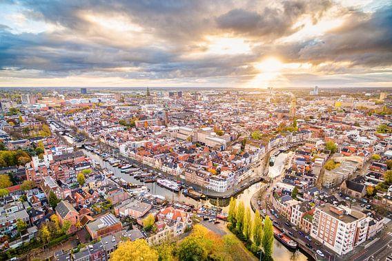 Zonsopkomst boven Groningen-Stad van Frenk Volt