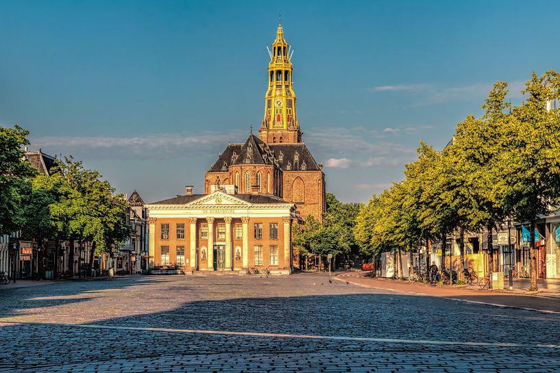 Vismarkt Groningen met Korenbeurs en Der Aa-kerk van R Smallenbroek