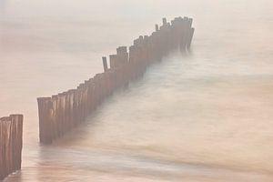 Paalhoofden in zee van Dokra Fotografie