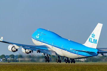 KLM Boeing 747 Jumbojet vliegtuig stijgt op vanaf Schiphol van Sjoerd van der Wal