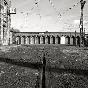Old Tram Depot in Berlin-Pamkow  sur Silva Wischeropp