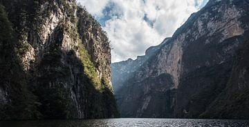 National Cañón del Sumidero in Mexico van Paul Tolen