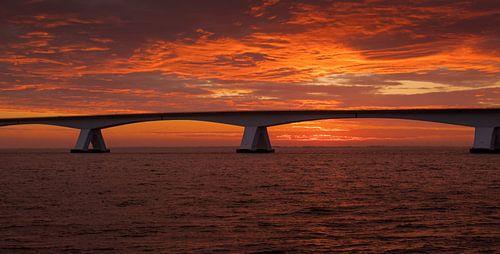 Zeelandbrug bij zonsopkomst