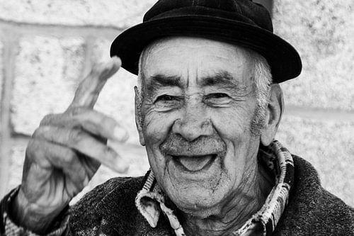 Oude man in Barcos (zwart-wit)