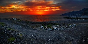 Rocky coast in the sunset van georgfotoart