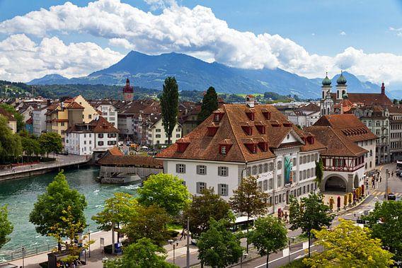 Luzern stadsgezicht van Dennis van de Water