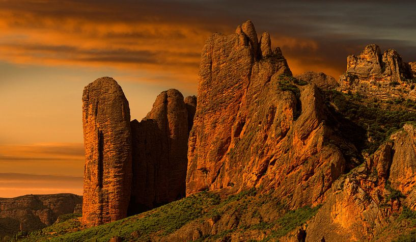 0775 Red Mountains van Adrien Hendrickx