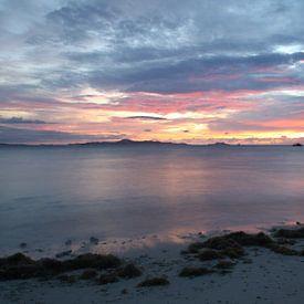 Brandende avond in Fiji van Chris Snoek