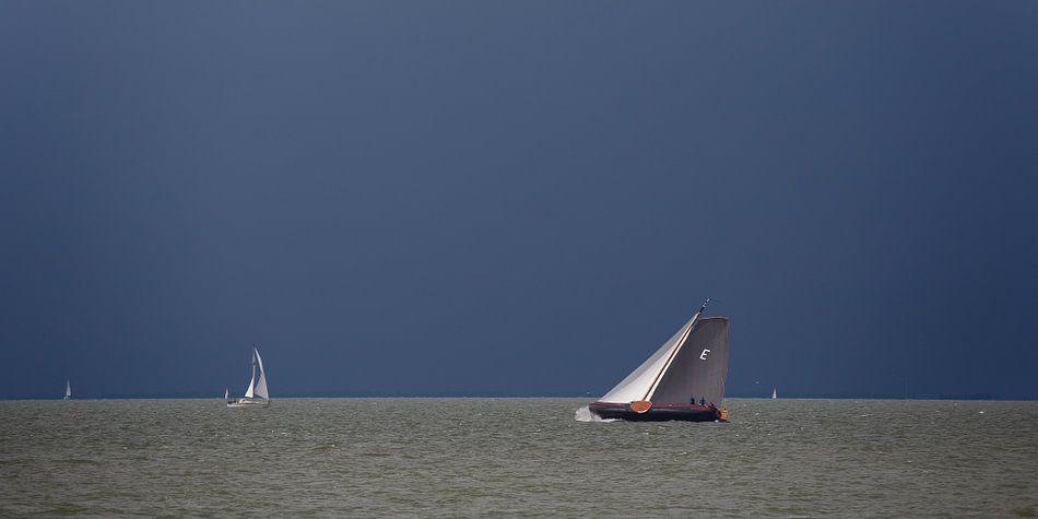 Skûtsje op het IJsselmeer