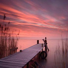 Steiger bij zonsopkomst van John Leeninga