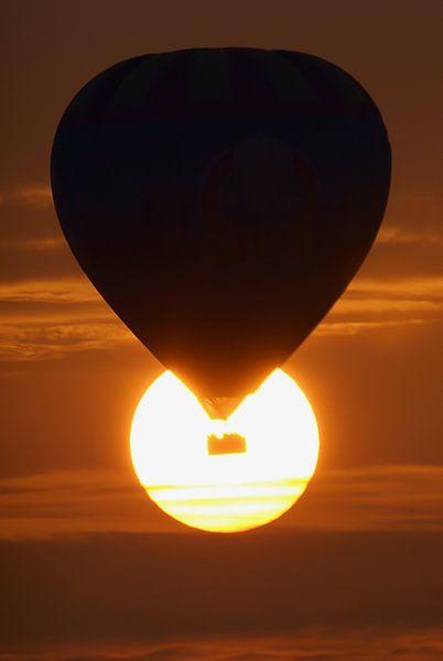 Ballon in de zon! van Roel Ovinge