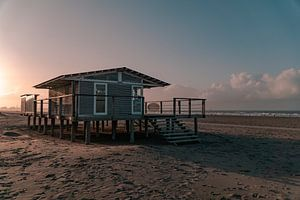 Strandhuis bij Hoek van Holland 2 van Marcel Kool