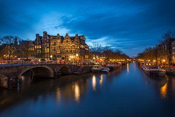 Blue hour Amsterdam ! von Marc Broekman