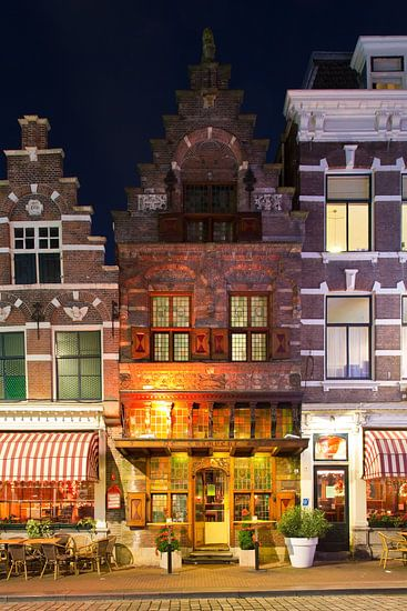 Oud middeleeuws pandje in Dordrecht van Anton de Zeeuw