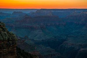 De avond valt over de Grand Canyon
