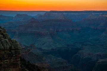 De avond valt over de Grand Canyon van Rietje Bulthuis