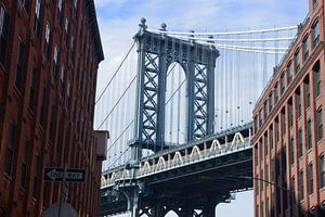 Manhattan Bridge gezien vanuit Washington Street in Brooklyn
