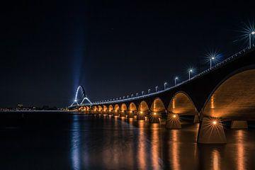 Nijmegen Crossing Abendfotografie von Jos van de Pas