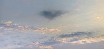 Gekleurde avond lucht met hartje van Percy's fotografie
