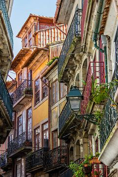 Porto, la vieille ville sur Annette van Dijk-Leek