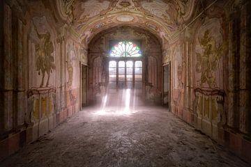 Belle Fresque dans une maison abandonnée. sur Roman Robroek