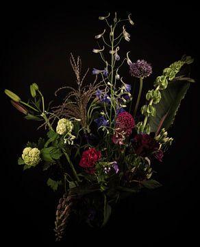 Modernes Stillleben: Blumenstrauß von Marjolein van Middelkoop