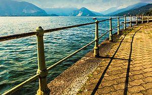 Bochtig pad langs het Lago Maggiore